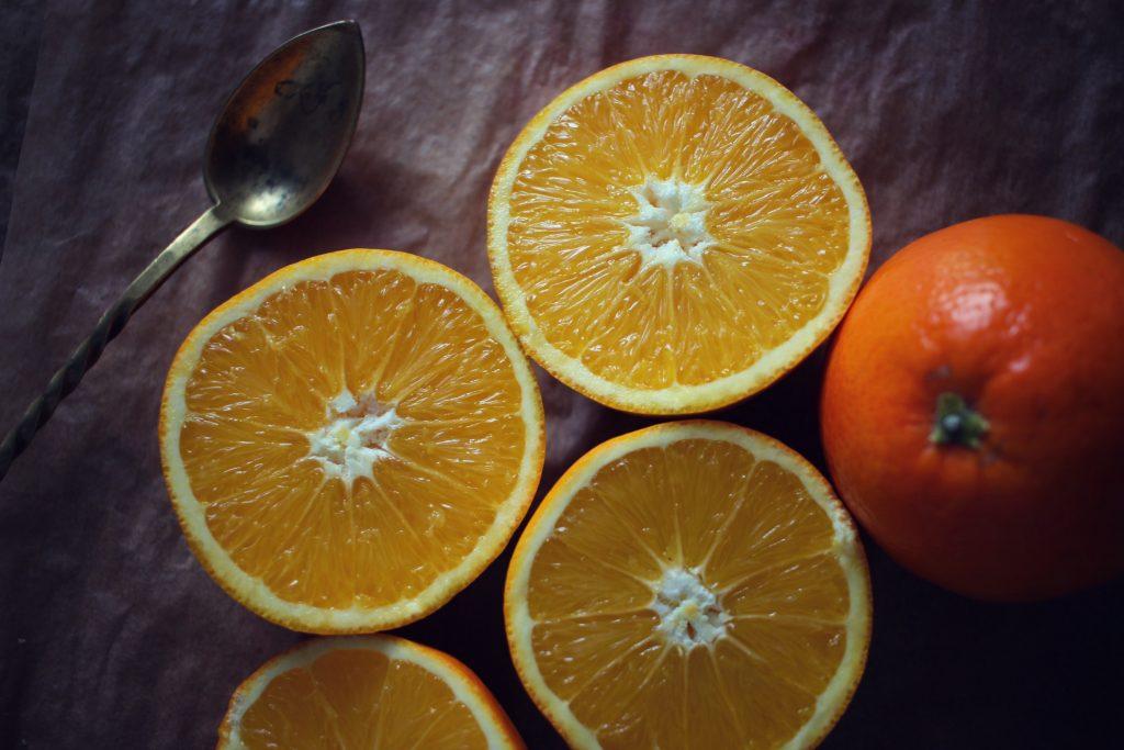 dans-quel-sens-couper-une-orange-en-2-jus-orange-bases-cuisine-5
